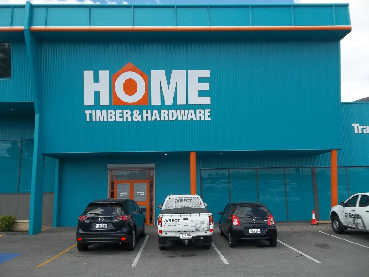 Home Timber & Hardware outdoor signage
